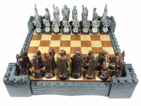 Schachspiel inkl. Burgumrahmung & Brett