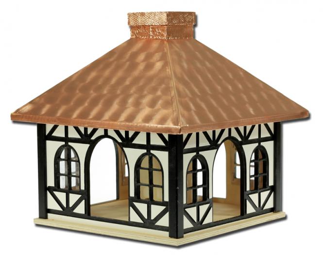 Fachwerk-Futterhaus mit Kupferdach