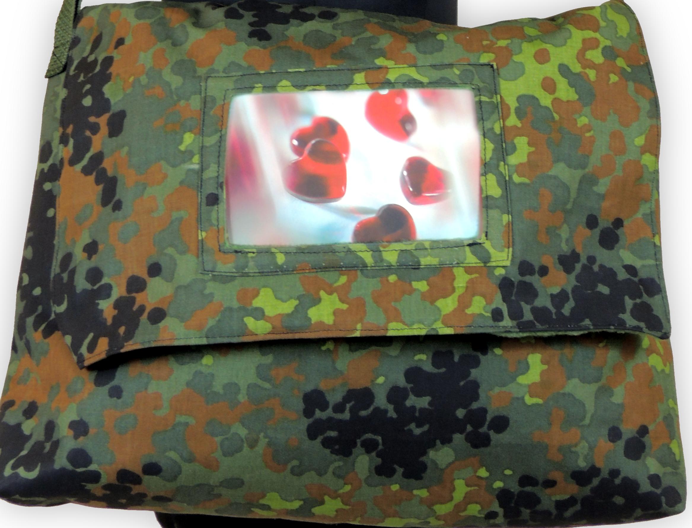 umh ngetasche gro camouflage. Black Bedroom Furniture Sets. Home Design Ideas